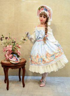 Model: Beatriz Main Theme, Fashion Labels, Lolita Fashion, Ponytail, Pretty Girls, Harajuku, Fashion Show, Gallery, Model