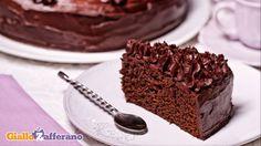 Mud cake, I'm baking it right now. Chocolate Bonbon, Chocolate Sweets, Baking Recipes, Cake Recipes, Czech Recipes, Mud Cake, Cake Tins, Savoury Cake, Mini Cakes