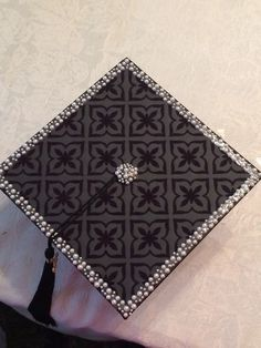 The Minimalist Cap | Community Post: 14 Ways To Decorate Your Graduation Cap