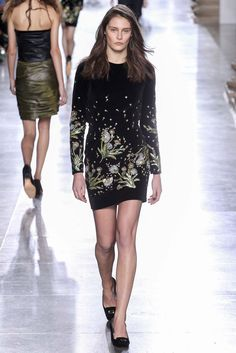 Topshop Unique - Fall 2015 Ready-to-Wear - Look 28 of 41