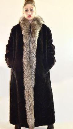 "Sheared Beaver w/ Crystal Fox Fur Tuxedo Collar Trim Full Length 51"" L – BareFur #fur #vintage #vintagefur #furcoat #fashion #beaverfurcoat"