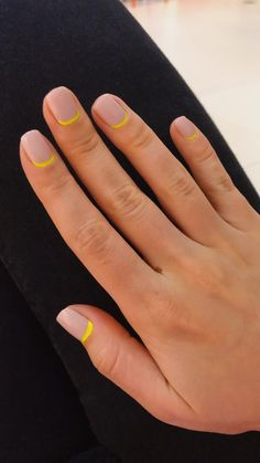 # garden lighting nails # dark nails # furnishing is an absolute must-try. Smart nails with colorful polka dots - Minimalist Nails, Fall Nail Designs, Simple Nail Designs, Art Designs, Hair And Nails, My Nails, Neon Nails, Pastel Nails, Bling Nails