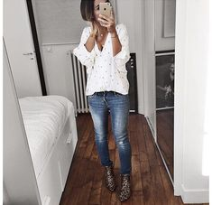 Love the shirt. Looks soft, casual, and feminine. Mode Outfits, Fall Outfits, Casual Outfits, Fashion Outfits, Womens Fashion, Classic Outfits, Looks Style, Casual Looks, Outfit Des Tages