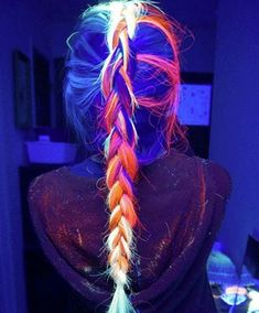 The Glow-In-The-Dark Hair Trend looks to be gaining momentum as more and more women experiment with special hair dyes that glow when the