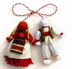 Romania and Bulgaria celebrate the of March with a very interesting tradition. Mărțișor in Romania, and Martenitsa in Bulgaria, are all about welcoming the upcoming spring, and more. Baba Marta, Yarn Dolls, Fabric Dolls, Christmas Crafts, Christmas Ornaments, Christmas Deco, Thinking Day, Moldova, Yarn Crafts