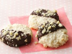 bPrize-Winning Recipe 2009!/b Fancy enough for a black tie affair—easy enough to make for an everyday cookie treat.