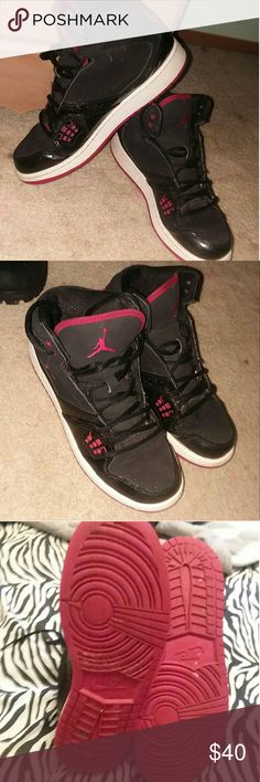 JORDAN'S RED AND BLACK GENTLY USED JORDANS. SIZE 7YOUTH. FROM SMOKE AND PET FREE HOME. Jordan Shoes Sneakers