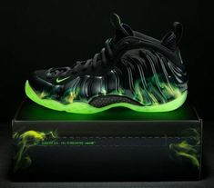 """Nike Foamposite One """"ParaNorman"""""""