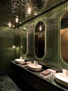 Французский ресторан с зеркальным потолком в Гуанчжоу Architecture Restaurant, Restaurant Interior Design, Bathroom Interior Design, Interior Architecture, Green Interior Design, Interior Design Magazine, Victorian Architecture, Japanese Architecture, Design Hotel