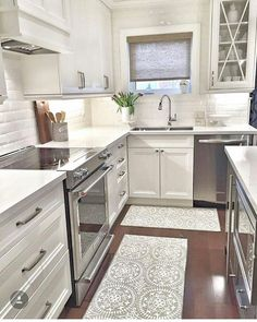 glass upper cabinets, white cabinets