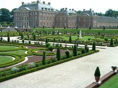 paleis het Loo, met een prachtige tuin om in te wandelen.