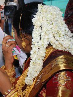 Kerala Bride Hair Do for wedding