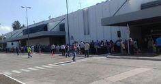 Evacúan aeropuerto en Argentina por amenaza de bomba - http://www.notiexpresscolor.com/2016/12/24/evacuan-aeropuerto-en-argentina-por-amenaza-de-bomba/