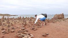 Пирамидки из камней, сложенные туристами, губят Балеарские острова