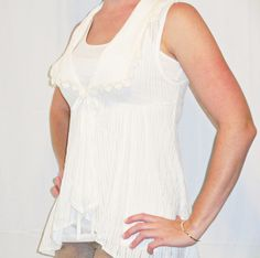 Gorgeous NEW Off White Tunic Top with Lace Detailing