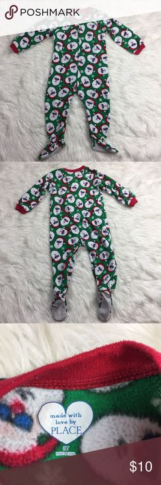 •• The Children's Place • Winter Footie Pajamas The Children's Place pjs in excellent condition overall. Super cute on. They are solid green with Santa's. Perfect for a little boy or girl. (Unisex) Will ship out same day so that it gets to fast!   Comes from a pet free smoke free home. (LLR0-0529) The Children's Place Pajamas
