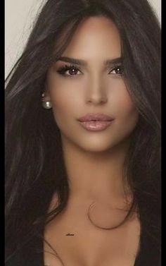Beautiful Women Pictures, Gorgeous Women, Brunette Beauty, Hair Beauty, Most Beautiful Eyes, Haut Bikini, Pretty Black Girls, Jolie Photo, Woman Face