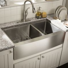 Cahaba L x W Double Basin Farmhouse/Apron Kitchen Sink with Grid Set – Unique Farmhouse Sink Apron Sink Kitchen, Double Bowl Kitchen Sink, Farmhouse Sink Kitchen, Kitchen Redo, Kitchen Dining, Kitchen Ideas, Stainless Steel Farmhouse Sink, Kitchen Makeovers, Country Farmhouse