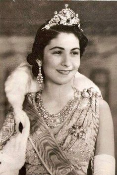 Queen Farida, Queen Consort of King Farouk I, wearing the Swan and Peacock Wedding Tiara, Egypt c. Royal Crowns, Royal Tiaras, Tiaras And Crowns, Diamond Tiara, Diamond Jewelry, Casa Real, Family Jewels, Royal Jewelry, Royal House