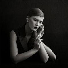 'S-Sur/Real'- Valerija Kelava by Julia Hetta for Double Magazine No.26 FW 13.14. (fonte-http://fashioncow.com/2013/11/...