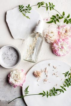 Looking for body sprays that will make you smell like spring? Look no further then! These seven sprays are all-natural and easy to make too!