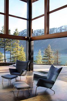 Extraordinary Cascade Mountains retreat with eco-conscious features