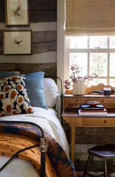 Modern Old-fashioned Bedroom Tips How to Decorate a macys rustic bedroom furniture exclusive on homesaholic home decor Retro Home Decor, Rustic Home Design, Interior, Home Bedroom, House Interior, Bedroom Decor, Interior Design, Rustic Bedroom, Rustic House