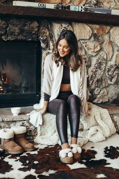 Cozy Winter Style | Faux Leather Leggings | UGG Slippers