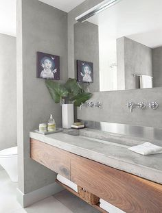 Banish bathroom decor woes with @jennifer_stagg's 5 simple fixes you can make in just 5 minutes!