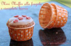 Muffin al cioccolato bianco e succo di fragola