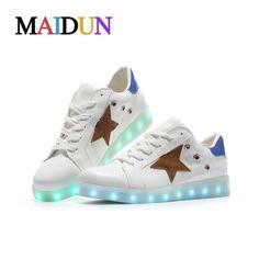 2017New Fashion Light up superstar shoes woman zapatillas hombre LED colorful luminous neon shoes men flashing star White Black