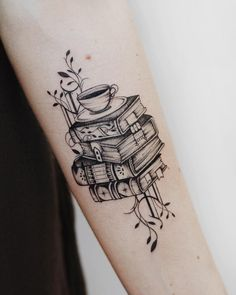 1,558 mentions J'aime, 17 commentaires – anastasia martynova (@mrtnv_) sur Instagram : « antique library for my twin and bookworm @nikudaneedu --- and also happy birthday, my dear and… » #tattoos