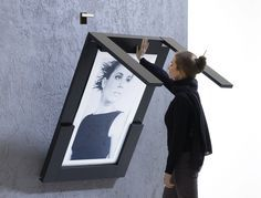 Picture Table can be easily folded down in 2 seconds: Minimalistisch Küche von IvyDesign