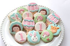 Sharing some of my favourite sets from Another set based on printables by for an event styled by This was a fun set to put together. Baby Cookies, Sugar Cookies, Decorating Supplies, Cookie Decorating, First Birthday Cookies, Iced Biscuits, Spice Cookies, Baby Shower, Baking Cupcakes