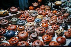 Hand-made teapots. #Taipei #Taiwan #SonyRX1R #Sony @sonyalpha #Adobe #adobelightroom #instagoodmyphoto @justgoshoot #peoplescreatives @thevisualscollective @passionpassport #worldtravelbook #ThePolarizer #scooter #street #streetphotography #jade #taiwanjade #jademarket