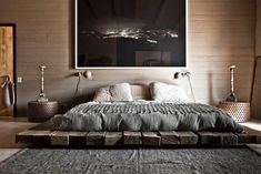 Explore Best Outstanding Low Height and Floor Bed Design Ideas at The Architecture Design. Visit for more images about Low height floor bed design ideas. Diy Bett, Masculine Interior, Masculine Apartment, Masculine Bedrooms, Suites, Deco Design, Design Design, Design Moderne, Design Styles