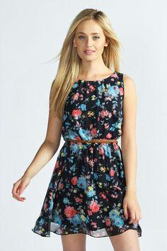 Este es un vestido floreado,corto pero un comodo es casual y lindo para salir a alguna parte