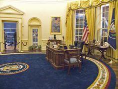 White House Interior, White House Tour, Clinton Presidential Library, Presidential History, White House Washington Dc, Georgian Court, Oval Office, Historic Homes, Presidents