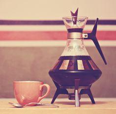 Retro Future coffee maker. WANT