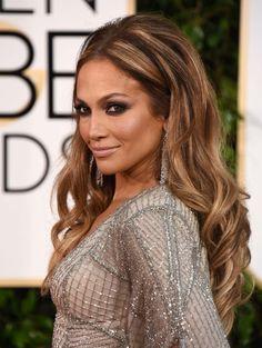 Absolutely gorgeous.. I love JLo hair.  Ondas XXL con volumen extra por Jennifer Lopez - Globos de Oro 2015: melenas midi vs ondas - TELVA.com