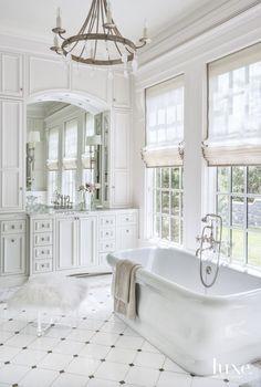 Chic Bathrooms, Dream Bathrooms, Beautiful Bathrooms, Modern Bathroom, Luxury Bathrooms, Country Bathrooms, Minimalist Bathroom, Contemporary Bathrooms, Bad Inspiration