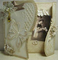 Hallo allemaal, Ik heb nog wat demokaarten die ik jullie wil laten zien. De meeste kaarten zijn met de januari materialen van Marianne Desi... Shabby Chic Cards, Vintage Shabby Chic, Shabby Chic Style, Vintage Style, Fancy Fold Cards, Folded Cards, Vintage Cards, Vintage Paper, Die Cut Cards
