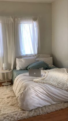 Room Design Bedroom, Room Ideas Bedroom, Bedroom Decor, Comfy Bedroom, Bedroom Inspo, Bedroom Colors, Interior Design Living Room, Living Room Designs, Interior Decorating