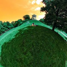 #360GradMünchen: #Monopteros @ #EnglischerGarten #monopteroswiese #egarten #englishgarden #enjoymunich #relax #wiese #munichsbest #summer #360grad #munich #rabbithole #360photo #münchen #pano360 #lovemunich #monopterus #360photography #360panorama #360art #munich360 #panorama #littleplanet #video360 #sightseeing #365muenchen #tinyplanet #lifeis360 @muenchen