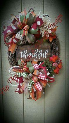 Thanksgiving Mesh Wreath, Diy Fall Wreath, Autumn Wreaths, Holiday Wreaths, Wreath Ideas, Halloween Wreaths, Fall Crafts, Making Ideas, Fall Decor