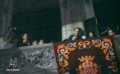 Pep Bosch llegint part del pregó de les Festes de Sant Narcís 2001.
