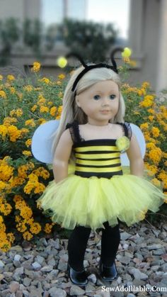 Lots of free American girl doll patterns. Bumble Bee and Ladybug Costume for American Girl Dolls American Girl Outfits, American Girl Doll Costumes, American Girl Crafts, American Doll Clothes, American Girls, Sewing Doll Clothes, Girl Doll Clothes, Doll Clothes Patterns, Girl Dolls
