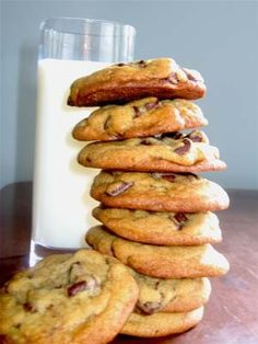 The Best Chocolate Chip Cookies Ever Best Chocolate Chip Cookies Recipe, Butter Chocolate Chip Cookies, Chocolate Chips, Valrhona Chocolate, Cookie Fit, Cookie Recipes, Dessert Recipes, Potluck Desserts, Clean Eating Snacks