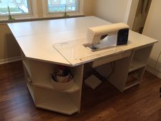 New No Cost sewing table organization Strategies Ideas Diy Organization Table Sewing Machines Sewing Room Furniture, Sewing Desk, Sewing Room Storage, Sewing Room Decor, Sewing Cabinet, Sewing Spaces, Sewing Room Organization, Craft Room Storage, Sewing Rooms