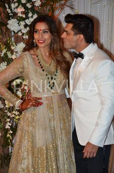 In Pics: Bipasha Basu and Karan Singh Grover on their Reception Night | PINKVILLA